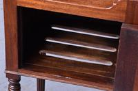 Gillows' Bedside Cabinet (7 of 8)
