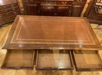Important French Pedestal Desk from 19th Century in Oak (8 of 13)