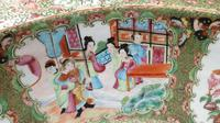 Huge Chinese Canton Famille Rose Bowl. 19th Century (2 of 7)