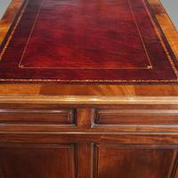 George V Mahogany Pedestal Desk (6 of 13)