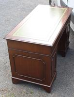 1960s Mahogany Pedestal Desk with Green Leather Inset on Top (3 of 3)