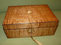 Satinwood & Mahogany Jewellery Box. Plush Interior. c1860. (4 of 11)