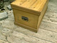 Wonderful Restored Old Pine Blanket Box / Chest / Trunk / Coffee Table (5 of 8)