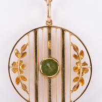 Antique Edwardian Peridot and Pearl Pendant and Gold Chain c.1901 (6 of 6)