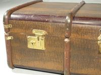 Attractive Early 20th Century Embossed Travelling Case (5 of 6)