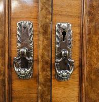 Walnut Queen Anne Style Bedroom Suite (2 of 14)