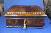 William IV Flame Mahogany Jewellery Box (16 of 20)