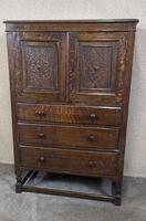 Good Quality Carved Oak Tallboy / Linen Press / Wardrobe (10 of 11)