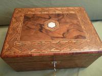 Large Figured Walnut Inlaid Jewellery Box + Tray c.1875 (3 of 12)