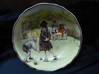 Royal Doulton ' Sir Roger de Coverley '  bowl (2 of 5)