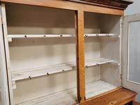 Glazed housekeeper's cupboard (4 of 6)