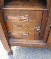 1920s Large Oak Carved Buffet with Display Cupboards (4 of 7)