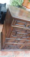 Country oak 4 drawer chest of drawers splits into 2 (2 of 10)