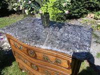 Small 18th Century Serpentine Fronted Commode (12 of 17)