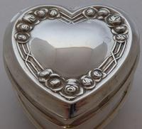 1909 Hallmarked Silver Love Heart Pill Earring Jewellery Box Arts & Crafts (8 of 10)