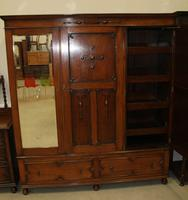 1920's Large Oak Mirrored 3 Door Wardrobe with Slides (4 of 6)