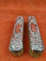 2 x Antique Sterling Silver Hallmarked Clothes Brush 1905 Williams (birmingham) Ltd (7 of 8)