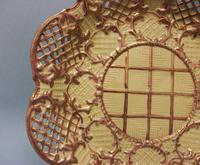Very Rare Marked Thomas Lakin 'drab Porcelain' Pierced and Moulded Plate, c.1790-1800 (3 of 4)