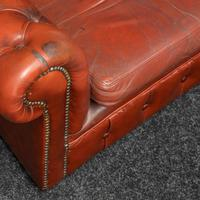 Burgundy Leather Chesterfield Wing-back Armchair (9 of 10)