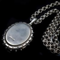 Antique Aesthetic Large Sterling Silver Locket with Belcher Chain Collar (8 of 11)