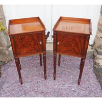 Fine Pair of Gillows Style Mahogany Bedsides