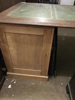 G. W. R Large Pine & Oak Leather Topped Desk (2 of 17)