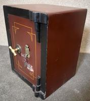 Small Antique Safe with Key, Coopers Safe Co, London (7 of 7)