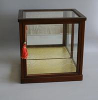 Wooden Counter Top Glass Display Case (3 of 4)