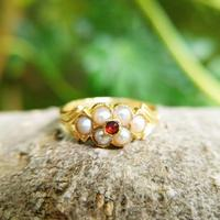 Antique 18ct Yellow Gold Garnet & Pearl Locket Ring (5 of 10)
