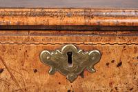 Fine Early 18th Century Walnut Lowboy Of Fabulous Colour (7 of 14)