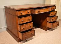 Mid 19th Century Mahogany Pedestal Desk (3 of 7)