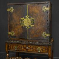 Late Victorian Leather Bound Cupboard on Stand (4 of 10)
