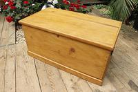 Lovely Restored Pine Blanket Box / Chest / Trunk / Coffee Table (2 of 8)