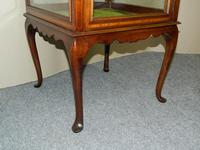 mahogany bijouterie / display table (3 of 6)