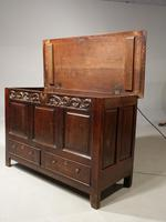 Attractive Mid 18th Century Oak Mule Chest (3 of 4)