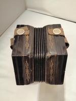 Good Early 20th Century Concertina Squeeze Box (8 of 11)