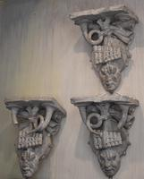 Set of Three Georgian Plaster Wall Brackets (3 of 13)