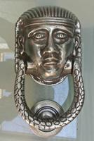 Pair of Victorian Polished Cast Iron Sphinx Pharaoh Door Knocker (3 of 7)
