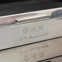 Vintage silver cigarette box engine turned (6 of 16)