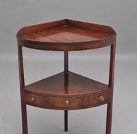Early 19th Century Mahogany Corner Table (4 of 7)