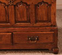 Small English Chest in Oak - 18th Century (4 of 16)