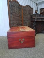 Oriental Camphor Box (7 of 9)
