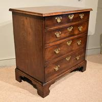 Attractive George III Mahogany Chest of Drawers (5 of 9)