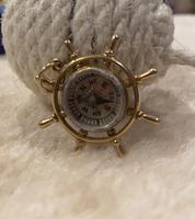 9ct Gold ships Wheel Compass Pendant (5 of 6)