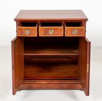 Victorian Mahogany Two-Door Side Cabinet (4 of 8)