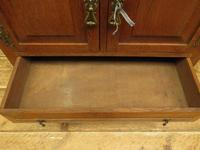 Antique Oak Continental Cupboard with Drawer for TV or Drinks, Lockable (7 of 14)