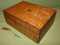 Satinwood & Mahogany Jewellery Box. Plush Interior. c1860. (3 of 11)