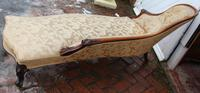 1900's Well Carved Walnut Chaise with Back in Beige. (3 of 4)