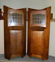 Pair of oak Arts & Crafts cabinets in the manner of Liberty (7 of 7)
