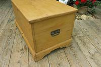 Fabulous & Restored Pine Blanket Box / Chest / Trunk / Coffee Table (5 of 9)